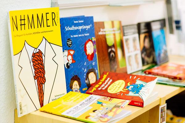 Bild von Büchern/Moods. Autismuszentrum Herten im Ruhrgebiet. Ihr Ansprechpartner für ASS, Asperger, Atypischer, frühkindlicher Autismus, Teacch.